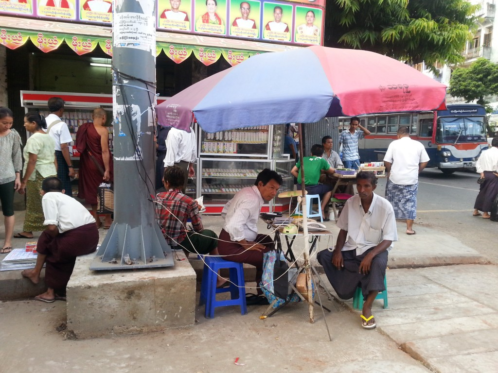 Telephone stand, Yangon, Tineke Baird